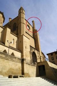 Limpieza e inspección en la Catedral de Huesca.