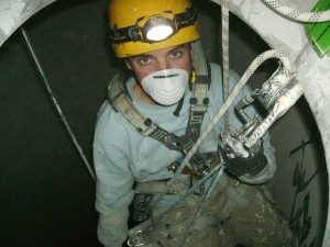 Descenso al silo de harina.